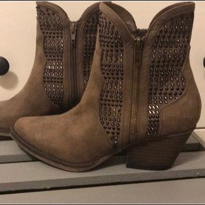 MIA ankle boots cowboy style